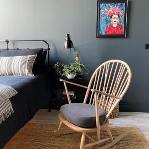 interior-design-painter-decorator-plymouth-dark-bedroom-ideas