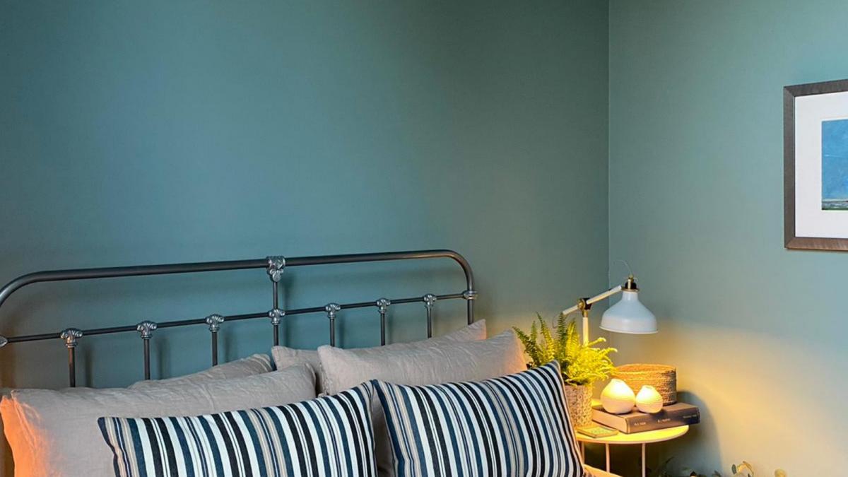 interior-design-painter-decorator-plymouth-green-blue-bedroom-ideas